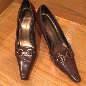 AK ANNE KLEIN flex NWT brown heels size 9